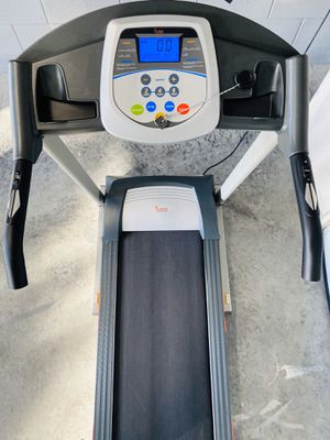 Treadmill (Sunny Health and Fitness) for Sale in St. Cloud, FL