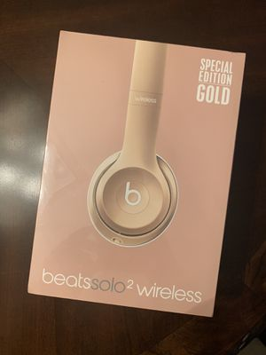 Beats solo 2 gold special edition for Sale in Deerfield Beach, FL