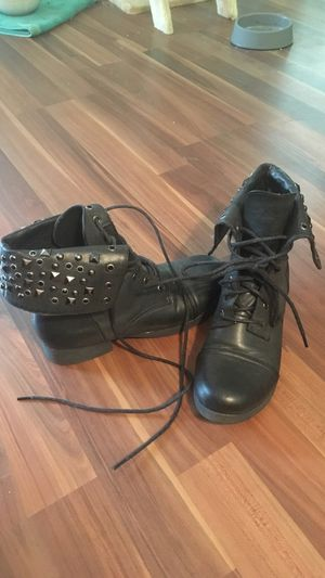 Size 6.5 studded fold over combat boots for Sale in Manassas, VA