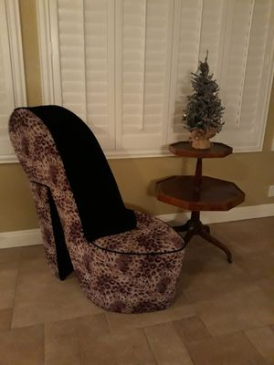 Large stiletto lounger for Sale in Twin Falls, ID