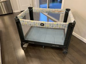 Graco pack and go play yard for Sale in Kenmore, WA
