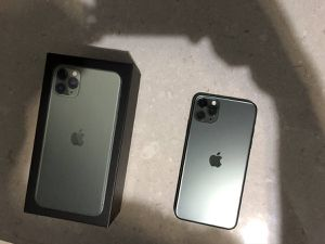 iPhone 11 Pro Max 256gb Black for Sale in Lexington, KY