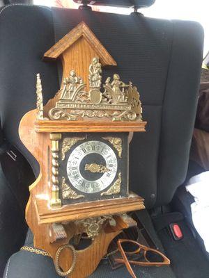 Antique clock for Sale in San Antonio, TX