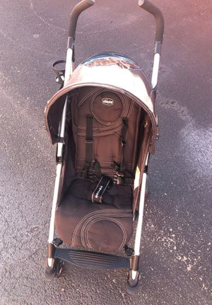 Chico lite way baby stroller ultra light* for Sale in Tamarac, FL