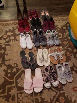 15 pairs of foot wear for Sale in Benbrook, TX