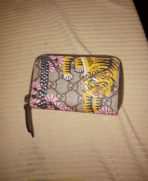 Gucci Bengal Tiger limited edition wallet with zipper for Sale in Phoenix, AZ
