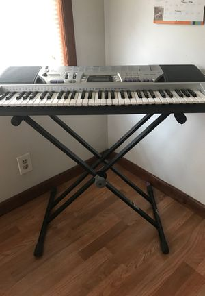 Radioshack keyboard MD-992 w/ stand, seat and music sheet stand for Sale in Naugatuck, CT