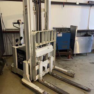 BT WRX30 Electric Forklift for Sale in Pflugerville, TX