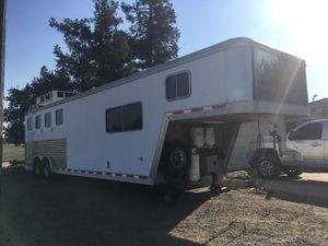 Featherlite 4 horse living quarters trailer for Sale in Acampo, CA