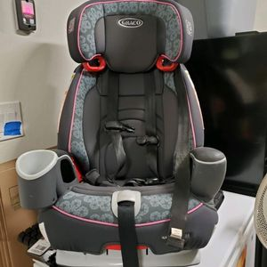 Graco Nautilus 65 Pink Girls Child Car Seat Kids Baby Breaks Down To Booster for Sale in Goodyear, AZ