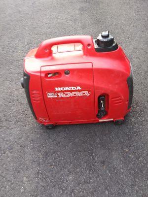 Honda EU 1000 gas generator real quiet runs great for Sale in Marysville, WA