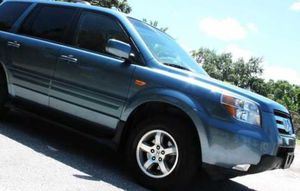 Honda Pilot ex. Leather and automatic for Sale in Charlotte, NC