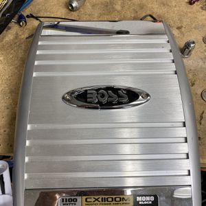Boss Amp for Sale in Lakewood, WA