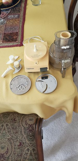 Classic Cuisinart Classic food processor for Sale in Boyds, MD