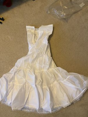David's bridal size 6 skirt to wear under dress for Sale in NO POTOMAC, MD
