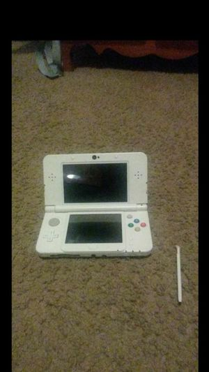 New Nintendo 3ds super Mario white edition (pen falls off) for Sale in Fort Worth, TX