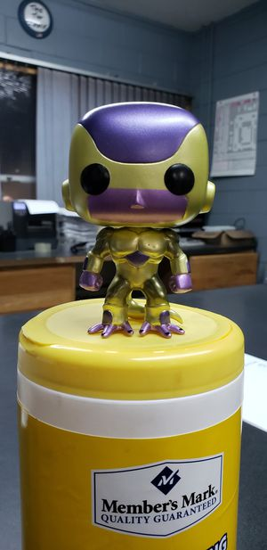 OOB Golden Frieza Funko Pop for Sale in Schaumburg, IL