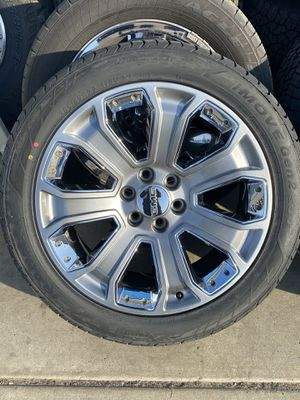 """$1500 Gmc Denali OEM 22"""" Wheels Contact The Rim Shop Or Message Me For More Info for Sale in Bakersfield, CA"""