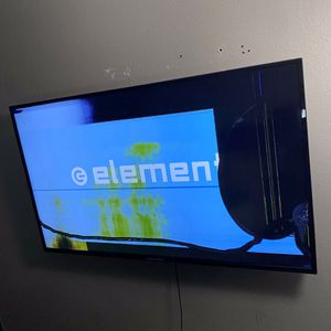 Smart tv broken for Sale in Mesa, AZ