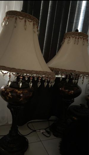 Lámpara cortinas y candelabro vase . Lamp curtains candle holder and vase for Sale in Miami, FL