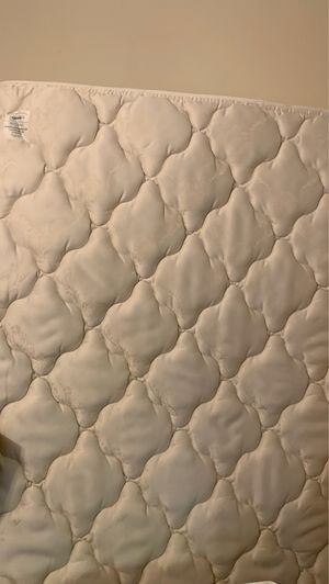 Used Queen Mattress 30$ for Sale in Washington, DC