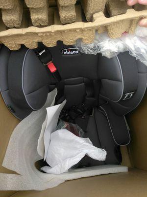 Chicco Myfit Harness Booster car seat New in box open Nuevo en caja abierta location Maryland between Eastern for Sale in Las Vegas, NV