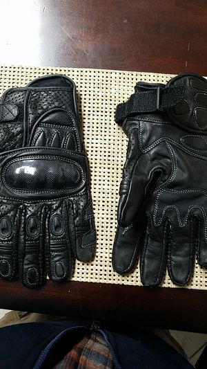 Motorcycle riding gloves for Sale in Sudley Springs, VA