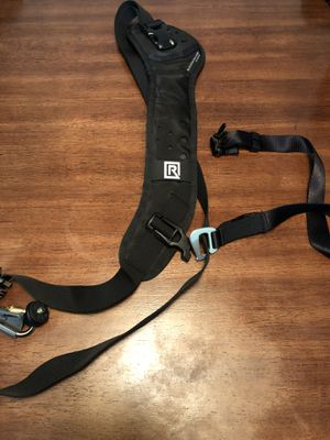 Black Rapid Camera Strap CURVE BREATHE CAMERA SLING for Sale in Akron, OH
