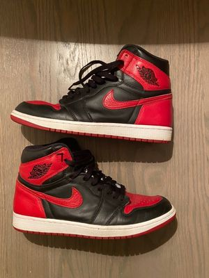 Jordan 1 Bred size 10.5 for Sale in Westmont, IL
