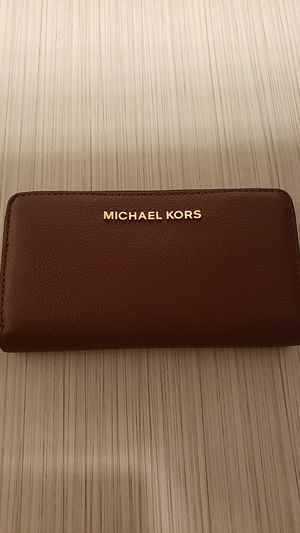 MICHAEL KORS WALLET for Sale in North Las Vegas, NV