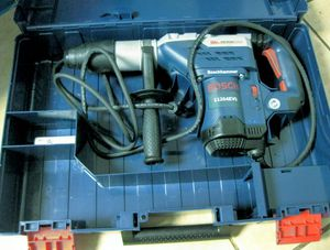 """BOSCH 1 5/8"""" SDS-MAX ROTARY HAMMER for Sale in San Rafael, CA"""