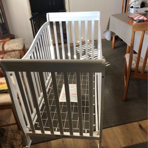 Crib for Sale in Carlsbad, CA