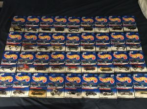 189 MINT HOT WHEELS CARS CIRCA 1996-1999 MINT IN PACKAGE!!! for Sale in San Jose, CA