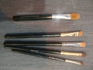 Makeup brushes: mac and bare minerals for Sale for sale  Sacramento, CA