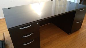 5 drawer office desk for Sale in Waldorf, MD