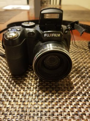 Fujifilm Finepix S1800 digital camera for Sale in Grandview, WA