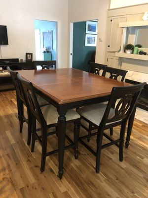Counter height dining room table. for Sale in Tampa, FL