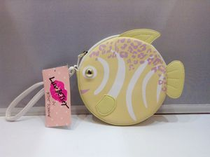 New Betsy Johnson Fish Wristlet (Phl033721) for Sale in Philadelphia, PA