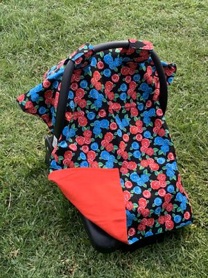 Roses car seat canopy for Sale in Rosemead, CA