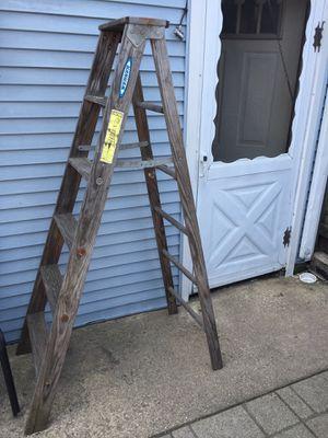 Wood ladder 6 ft Werner for Sale in Chicago, IL