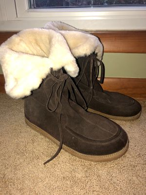 Michael KORS fuzzy suede leather boots size 10 for Sale in Cary, NC