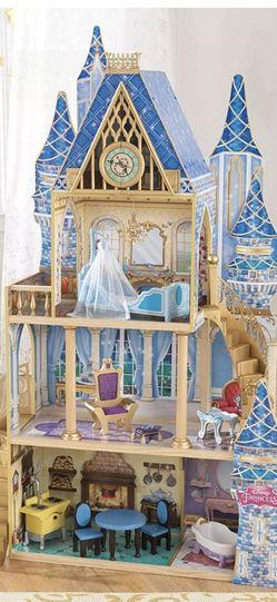 KidKraft Disney Princess Cinderella Doll House - Like New! for Sale in Los Angeles,  CA
