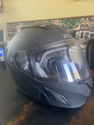 Large ZOX motorcycle helmet for Sale in Sacramento, CA