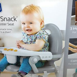 CHICCO POCKET SNACK BOOSTER SEAT for Sale in Fresno, CA