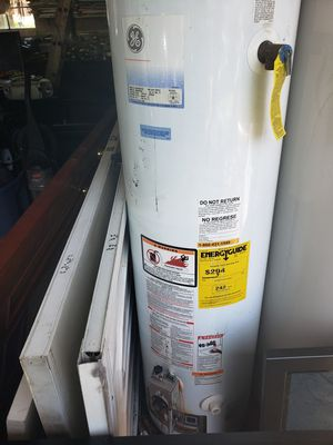 Water heater for Sale in Dearborn Heights, MI