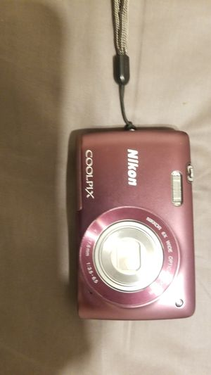 Nikon coolpix for Sale in Newburgh, IN