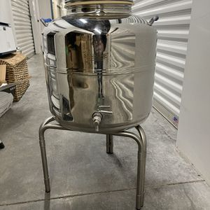 Small Sansone Oil Holder for Sale in Seattle, WA
