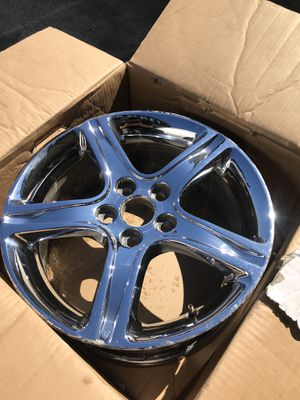 """Set of 4 CHROME Lexus rims 17"""" inch rims All are in good condition! $$195 for Sale in Dallas, TX"""