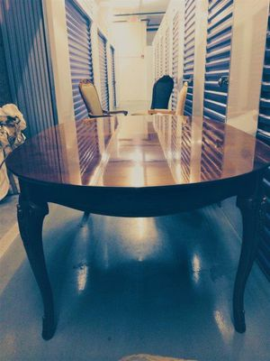 For sale is a perfect condition Thomasville living and dining room sets for Sale in Hialeah, FL