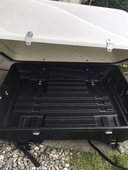 Kar Rite Roof Cargo Box With Roof Crossbars for Sale in Seattle,  WA